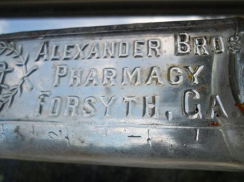 Georgia Bottle Detail